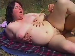 Fatty fucks and gets jizz in nature